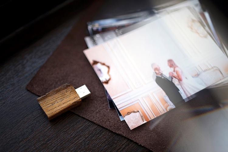 stick USB lemn coaja